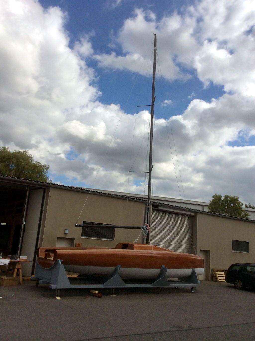 LA 28 mit Mast